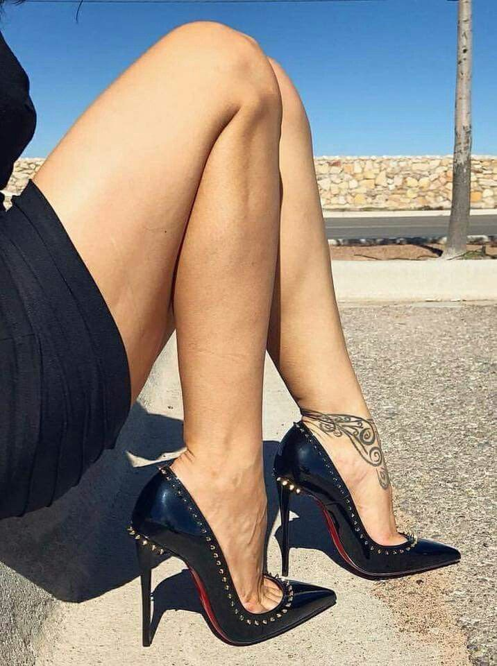Женские ноги жесткие