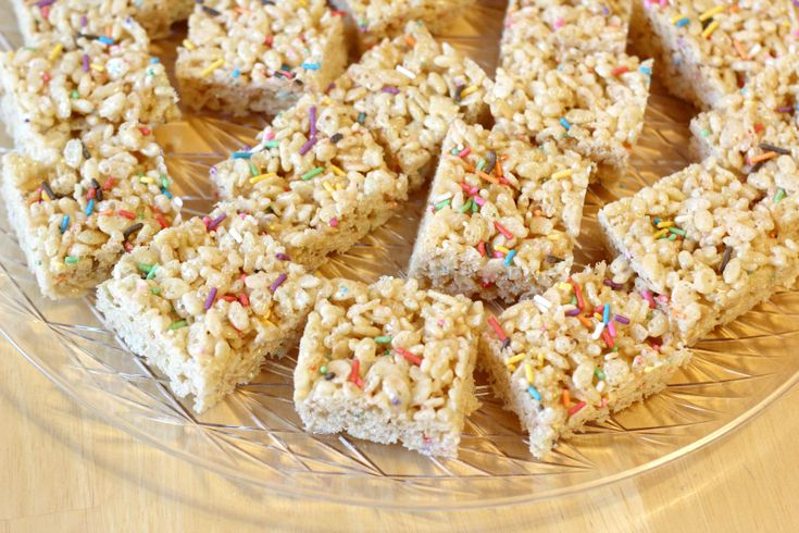 Whether you're celebrating a birthday or just celebrating....any day, these birthday cake rice krispie treats are SO good. You won't believe how easy they are, and how much they taste like birthday cake! Great no-bake alternative to birthday cake!