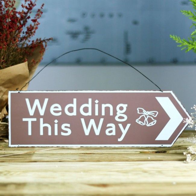 Señal de metal Wedding This Way