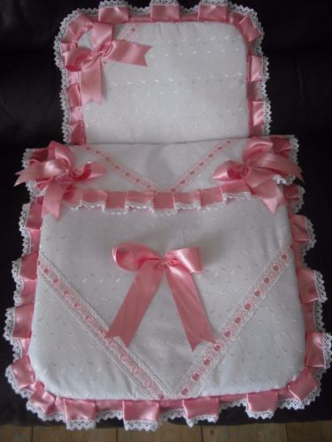 BABY,S WHITE & PINK 2 PIECE PRAM SET / MOSES BASKET IDEAL FOR SILVER CROSS PRAM