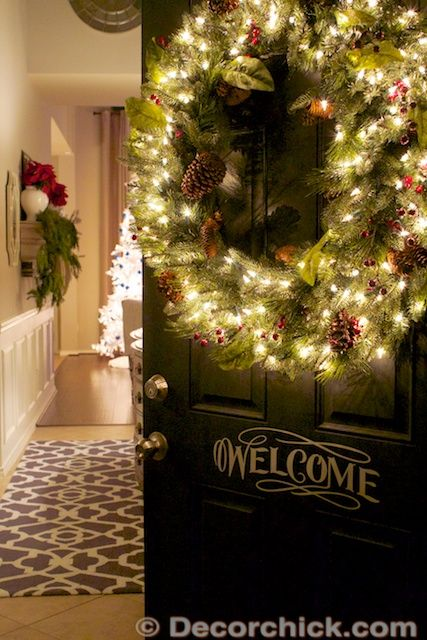 Adoring This Illuminated Wreath On A Front Door Decor Chick Christmas