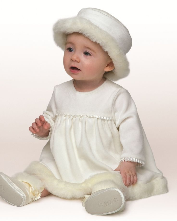 exceptional outfit for christening in winter