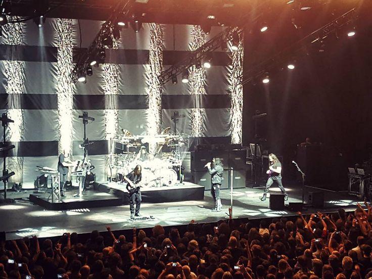 Dream Theater LIVE at the Forum Karlín Prague  #prague #live #concert #show #dreamtheater #imageswordsandbeyond #tour #tour2017 #rock #band #music #forumkarlin #galaxys6