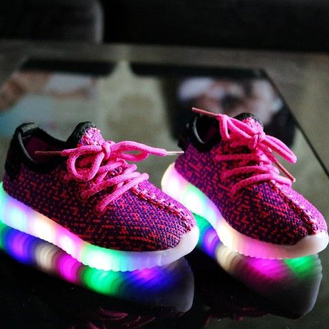 2017 Autumn LED light glowing kids sneakers 2 to 10 year old baby boys and girls casual sport shoes children running shoes
