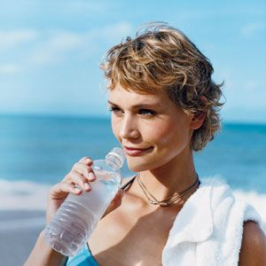 Good old H2O: Water helps us stay slim, keeps our skin supple and smooth, and may even protect our hearts. And now a new study suggests that drinking H2O may have another surprising benefit: improved memory and reaction times. #SelfMagazine
