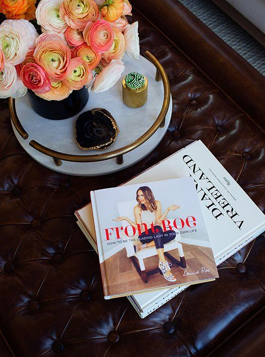 Louise Roe's first book,Front Roe—also thename ofher lifestyle blog—is an empoweringguide to embracingpersonal style and beautywithtips andlessons culledfrom her career as a fashion journalist and TV host.