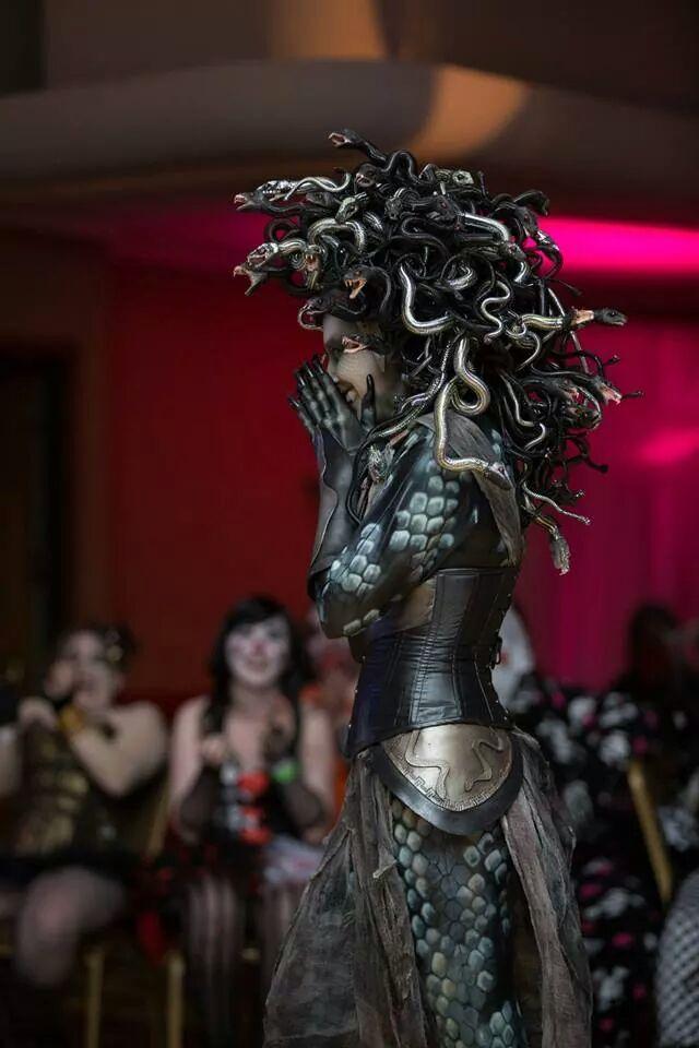 Araña Muerta's amazing Medusa costume