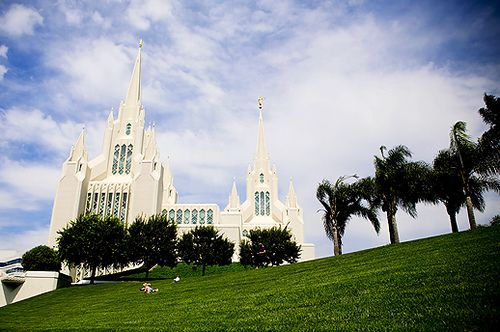 San Diego Temple - http://www.everythingmormon.com/san-diego-temple/  #mormonproducts #LDS #mormonlife