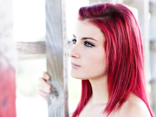 Halb rasiertes rotes Haar Zweifarbige Ideen für Haarfarben Dunkle, einzigartige Ideen für Haarfarben