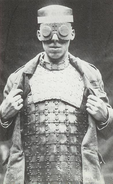Franco-British Body Armor 1916-1917: made in France and sold to the English soldiers, this vest and neck piece is composed of rows of square shaped metal plates assembled by Staples, and mounted on the chest and back. Very popular amongst the English soldiers during WWI. (image via opchan)