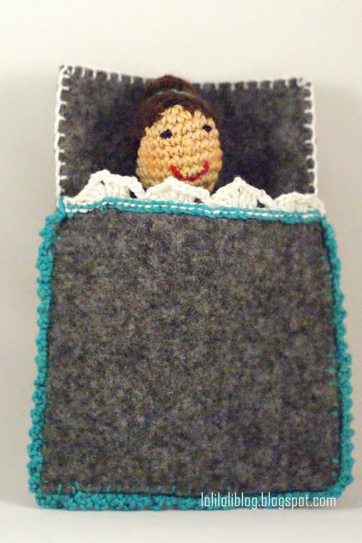 Crochet doll with pocket:)