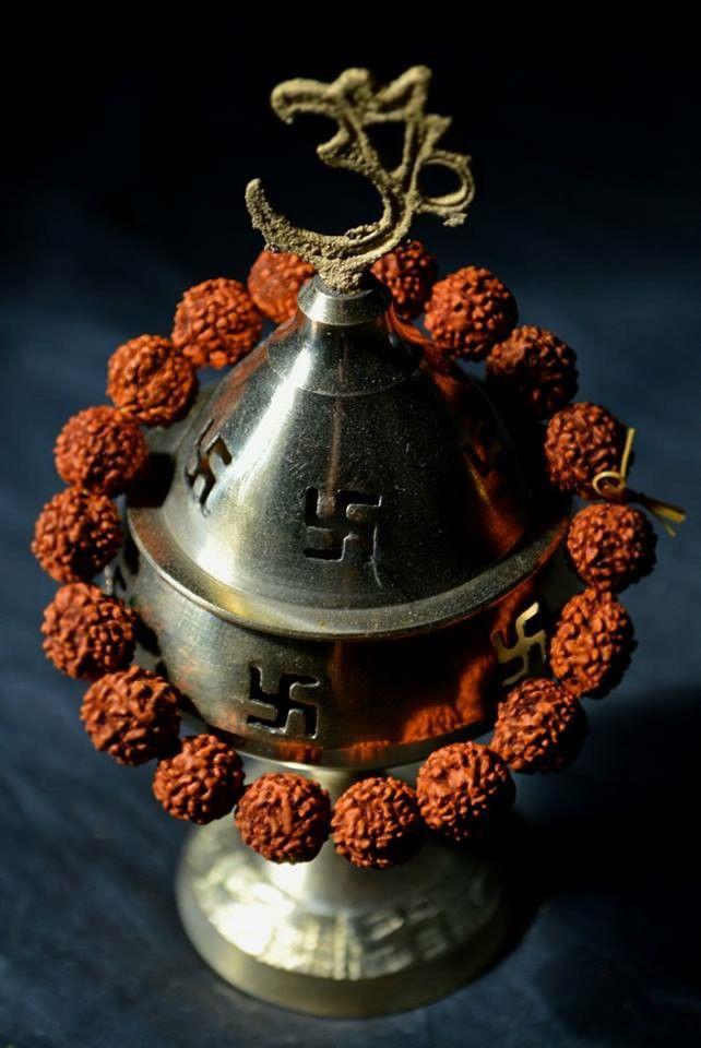 RUDRAKSHA BRACELET from INDIA. Rudraksha beads size – 8 to 10mm Bracelet lenght – 3.5 inchs 6.00 € Order here : beyondeyes@seznam.cz