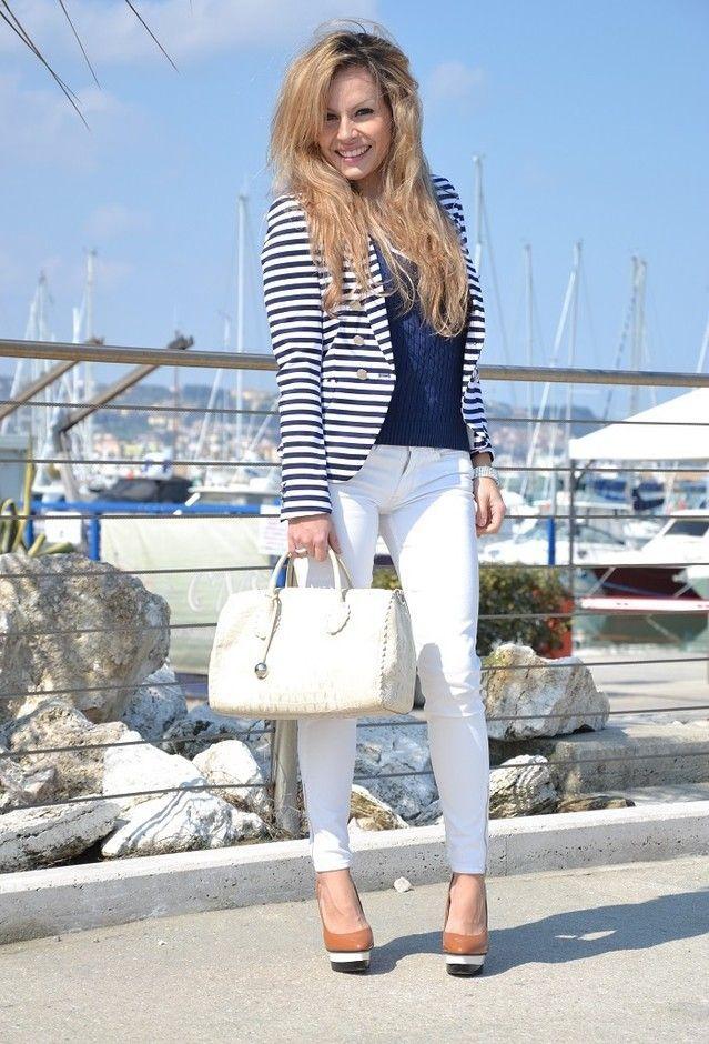 nautical theme outfit.women fashion trend.