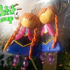 Boucles d'oreilles figurine Anna inspirées de la Reine des Neiges