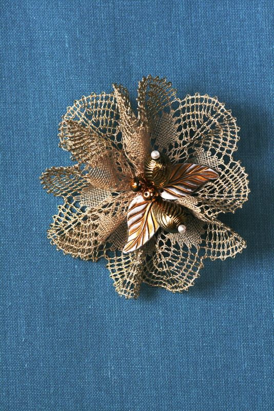 Lace and Creation By Hilda Vrijsen Broche