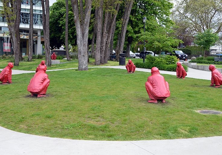 Guiding Questions: Why did the artist make eight of the figures crouching?  Think About This: The Meeting was originally exhibited at the 2007 G-8 summit meeting in Heiligendamm, Germany. It is not without irony that the red figures are placed in a circle, static and crouching with cupped hands, open to various interpretations, from one of thoughtful contemplation to one of latent energy ready to leap up.