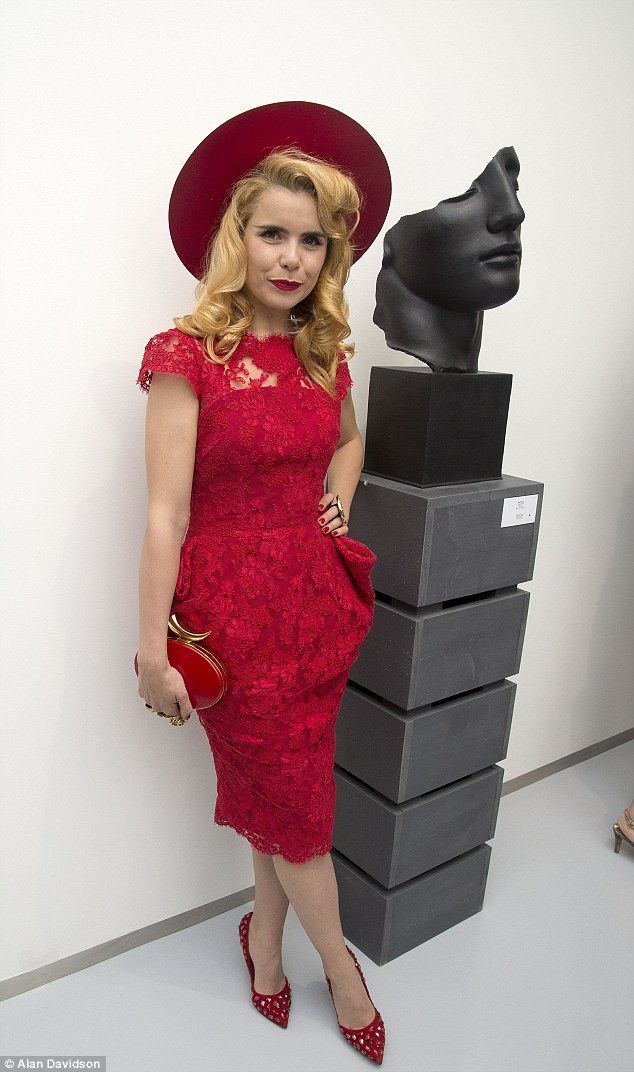 A true work of art: Paloma Faith was all in red for the art exhibition launch