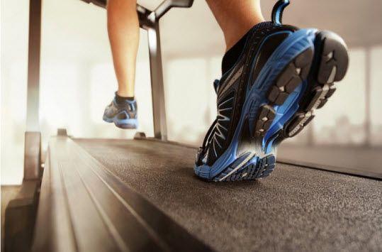 Treadmill merupakan salah satu alat fitness yang banyak digunakan di berbagai fitness center. Penggunaannya pun terbilang cukup mudah dibandingkan alat fitness lainnya karena tidak membutuhkan keah...