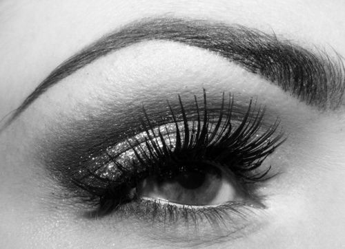 Falsies can be so great!  Love the eyebrow, too.