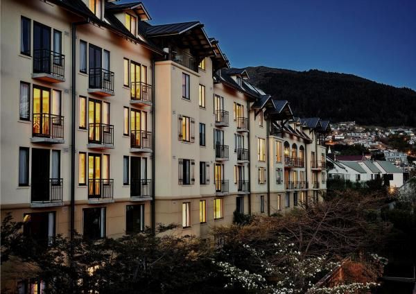 Hotel St Moritz, 5 Star Boutique Hotel in the heart of Queenstown