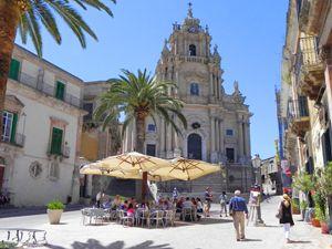 Die Stadt Sizilianische Ragusa gehört zum Weltkulturerbe und ist ein Besuch wert. #Sizilien #Italien #erlebeFernreisen