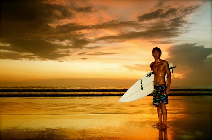 Interview: Eine grüne Surfschule auf Bali in Indonesien - Surfen für den guten Zweck! www.indojunkie.com