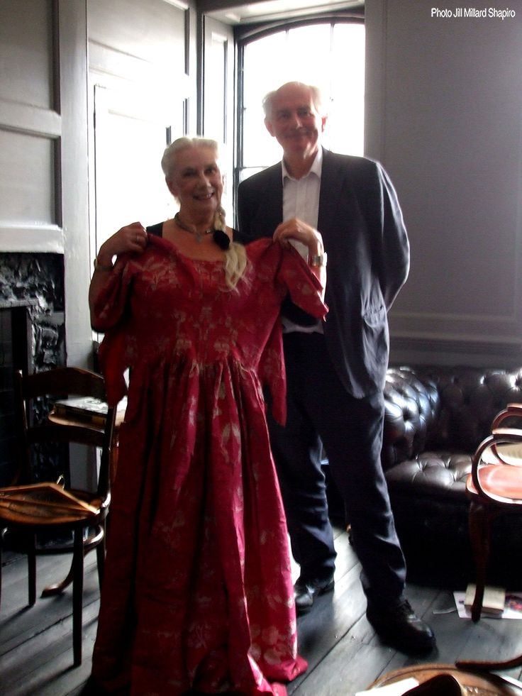 Jill Millard Shapiro, Dan Cruickshank and that dress! Edited extract from: Spitalfields: The history of London in a handful of streets. http://mosoho.blogspot.co.uk/2015/10/edited-extract-from-spitalfields.html