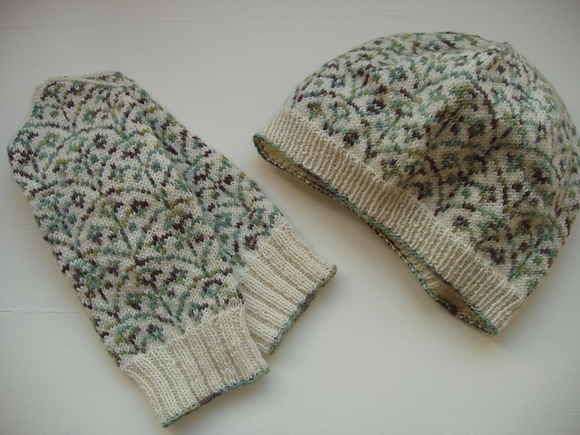 This might be my first fair isle knit...small but lovely