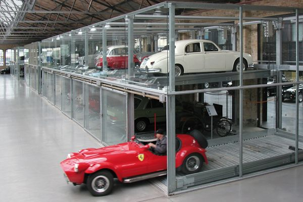705 best images about unusual garages on pinterest for Garage parking nice