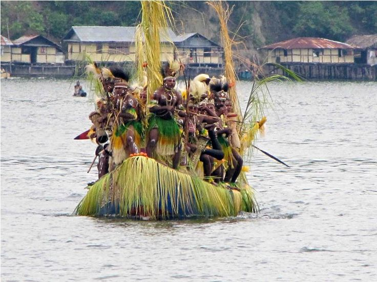 Festival Danau Sentani 2014: Danau Indah dengan Pesta Adat dan Pagelaran Seni Budaya Papua http://indonesia.travel/id/event/detail/861/festival-danau-sentani-2014-danau-indah-dengan-pesta-adat-dan-pagelaran-seni-budaya-papua