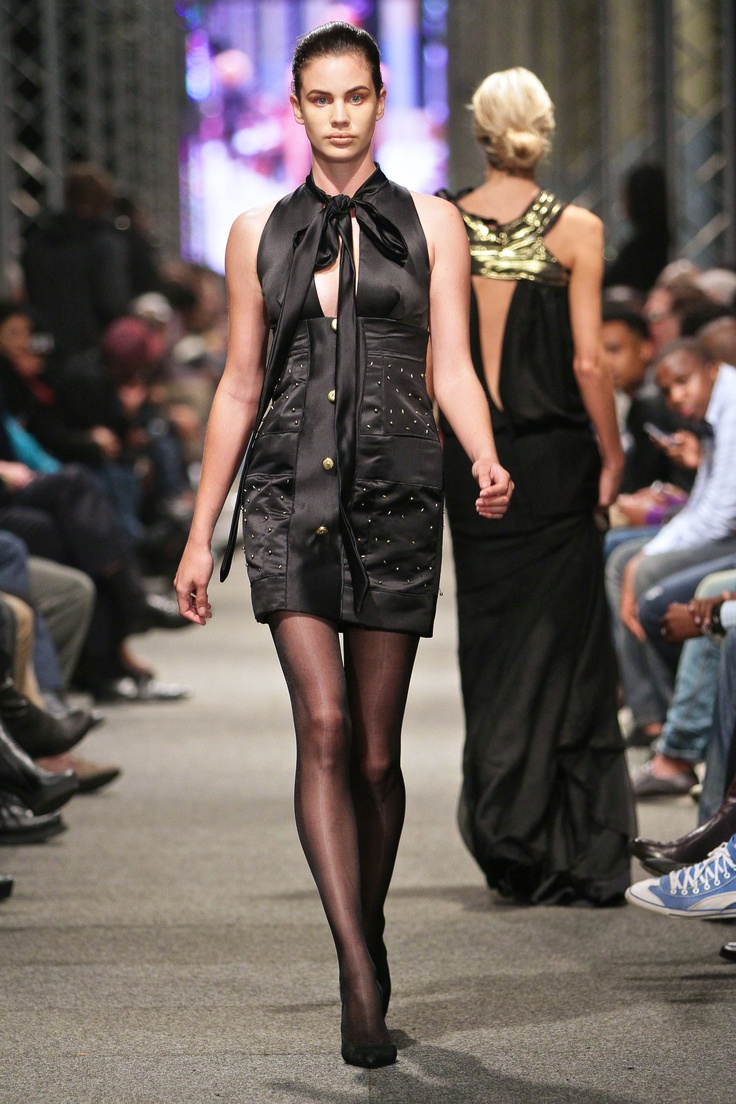 Sifiso Sabelo/fashion by the sea