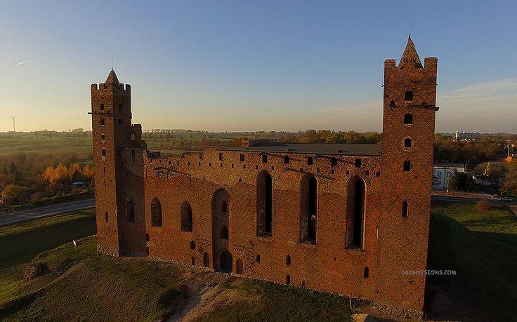 Zamek w Radzyniu Chełmińskim - wspaniałe miejsce do spotkania z historią na żywo!