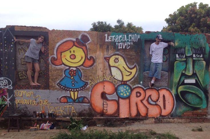 """""""O mundo é uma escola, a vida é um circo. Amor, palavra que liberta. Já dizia o profeta"""" Let&cia #circo #alegria #cutebird #coresfemininas #graffitigirls #brasil"""