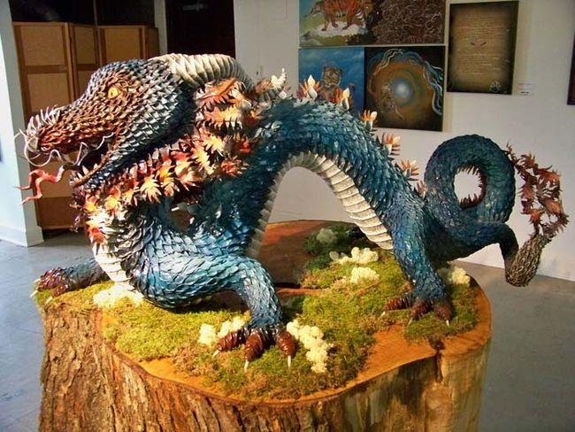 Artista Transforma Papel Machê Numa Incrível Escultura De Dragão, Confira! | Dizem Por Aí
