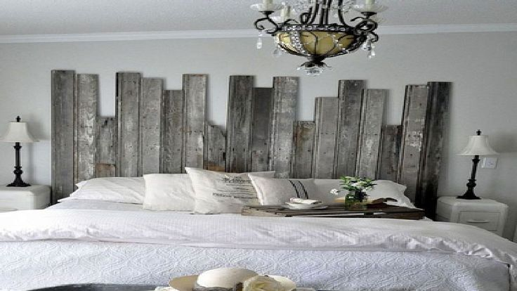 Envie de fabriquer une tête de lit originale pour votre déco de chambre ? Tête de lit en bois de récup, peinture, avec rangement, en palette à faire soi-même