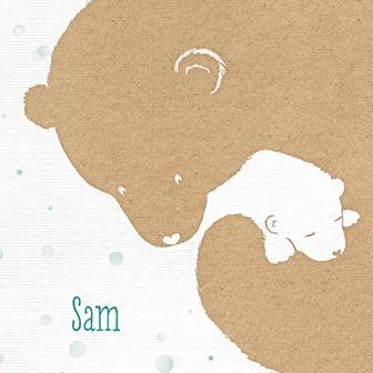 Geboortekaartje met kraft look en een afbeelding van moederbeer met haar babybeertje