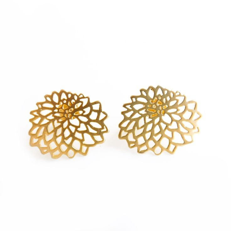Christmas in #HTFStyle Gold chrysanthemum studs