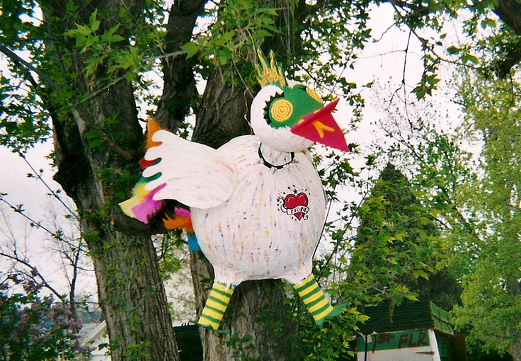Paper m ch punk rock chicken homemade pinata by sarah for Papier mache rocks