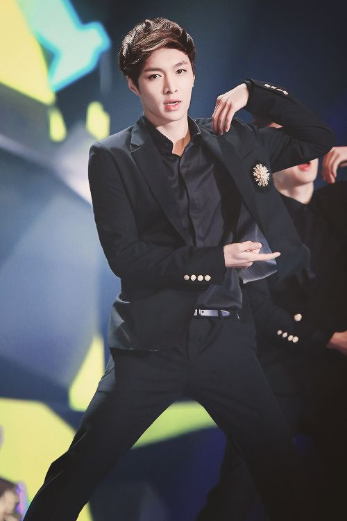 I would say he looks good in black....but then agian he looks good in anything ㅋㅋㅋ #exolay