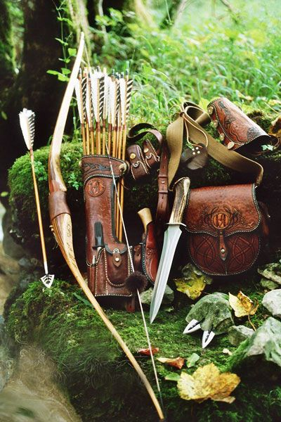 Beautiful leather -bushcraft archery kit - I wish there was more than a picture                                                                                                                                                     More