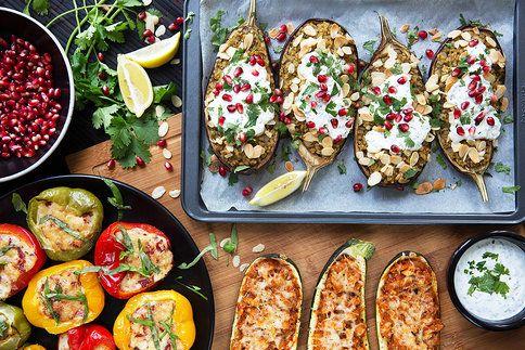 Plněná letní zelenina, jak ji neznáte. Zkuste blízkovýchodní lilek s bulgurem, cuketu vonící středomořím nebo papriky se sýrem a slaninou