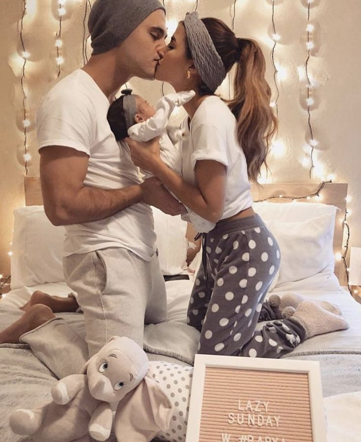 newborn family pictures so cute