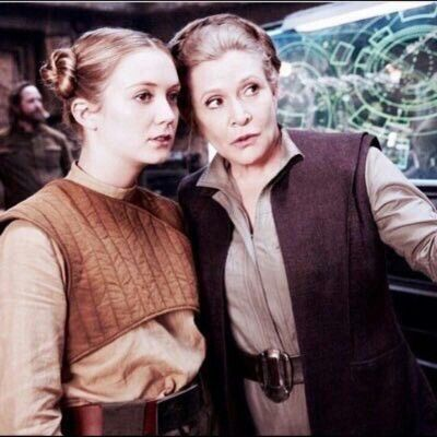 Carrie Fisher and daughter Billie Lourd on the set of Star Wars: The Force Awakens