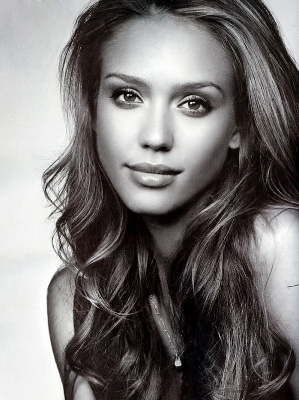 If you look up natural beauty in the dictionary, you'll find a photo of Jessica Alba