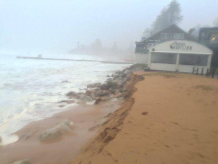 "Mitchell Harley on Twitter: ""Collaroy Beach Services Club hanging on by a thread (Photo: Steve Pells) #SydneyStorm #erosion @DrEmmaLJohnston https://t.co/ocN6blyB1t"""