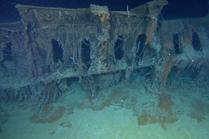 Google Image Result for http://travelerfolio.com/tf3/photos/2012/04/titanic-shipwreck-underwater-mystery.jpg