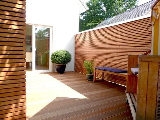 die besten 25 trennwand garten ideen auf pinterest deck sichtschutz balkon trennwand und. Black Bedroom Furniture Sets. Home Design Ideas