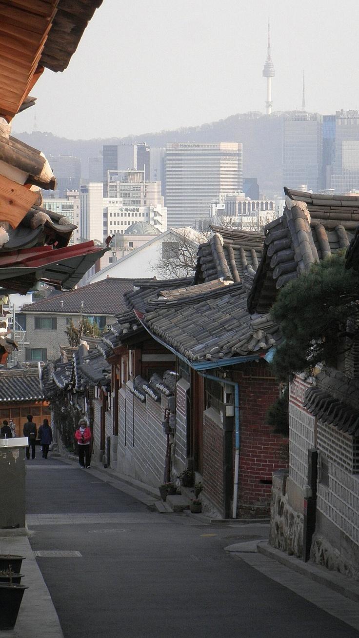 Bukchon (North Village), Gahoe-dong, Seoul