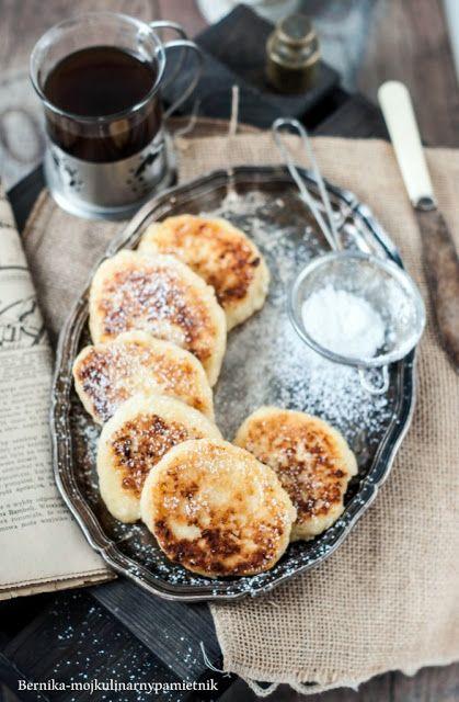 Bernika - mój kulinarny pamiętnik: Syrniki - rosyjskie twarogowe placuszki