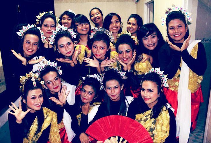 group dance :D